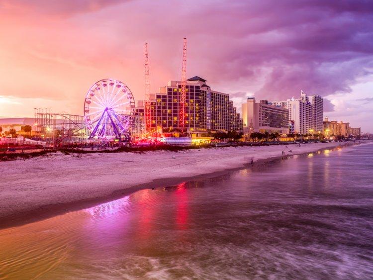 18. Daytona Beach, Florida, has a population of 68,866.